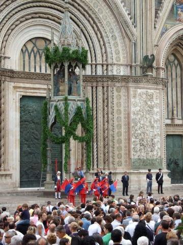 A Orvieto è festa grande, da Orvieto in Fiore alla Palombella, dal Corteo delle Dame al Corteo Storico,fino al 19 giugno